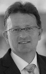 Prof. Dr. Stefan Eicker